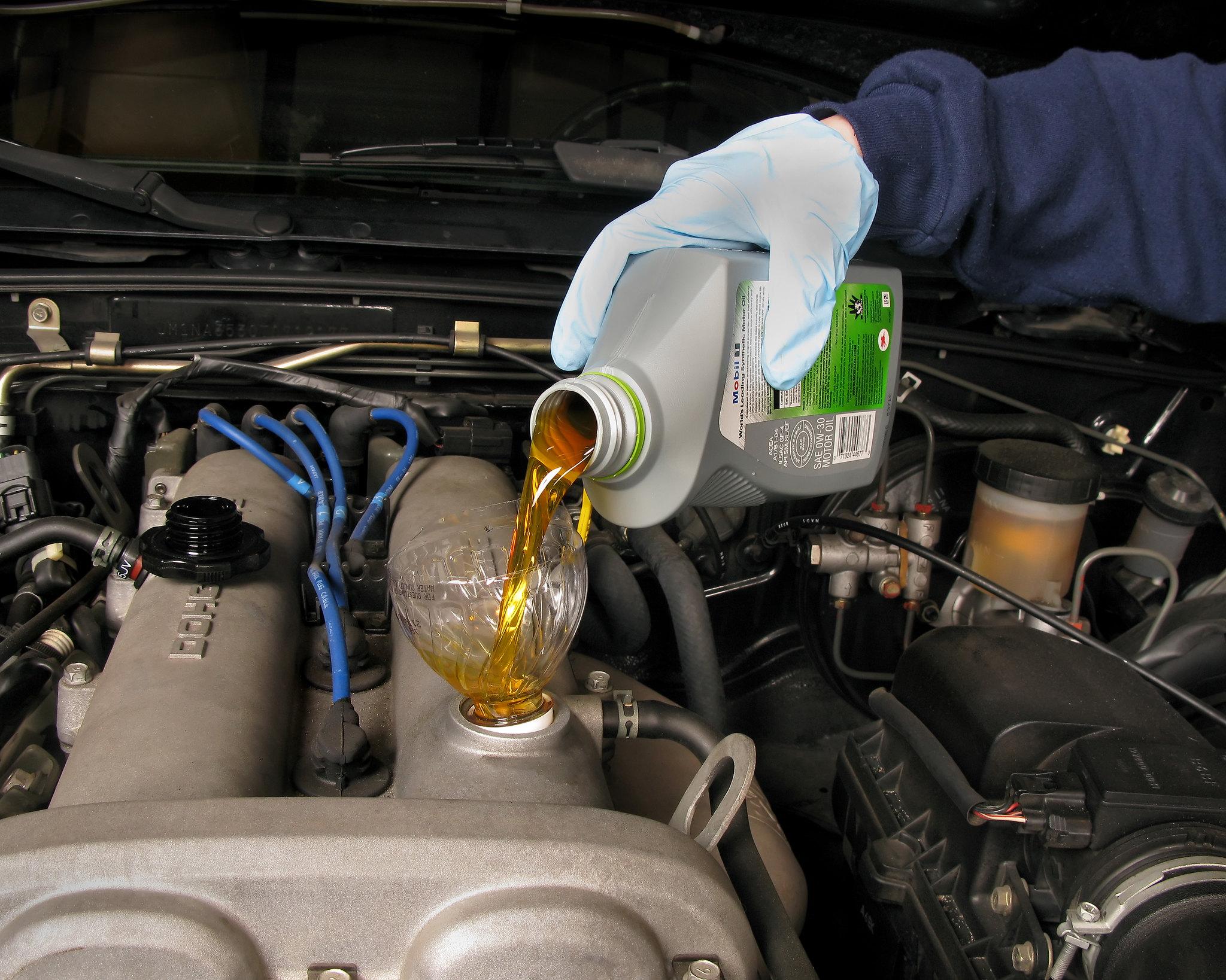 Aceite para el coche | Foto: Creativecommons.org