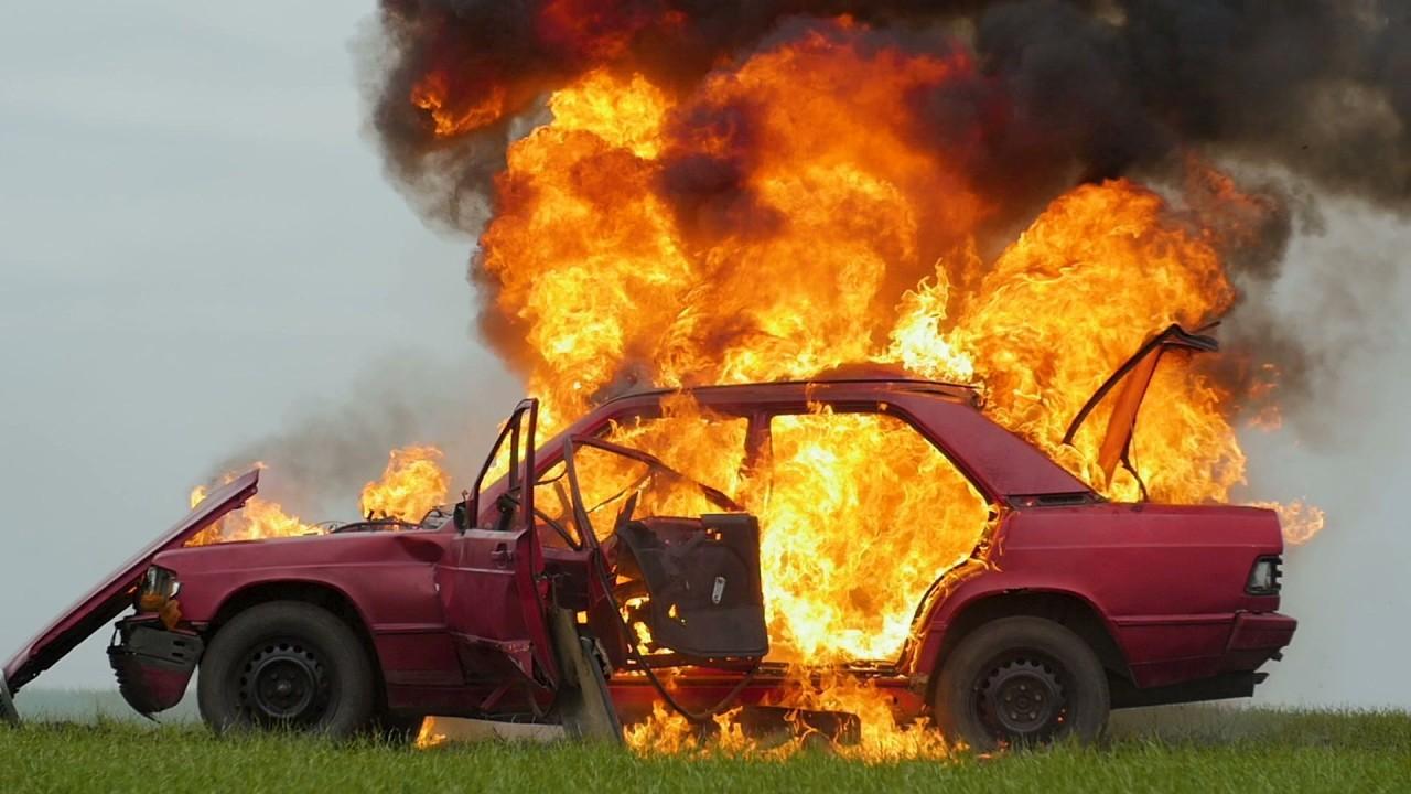 Coche incendio | Fuente: Creativecommons.org
